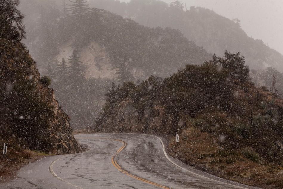 snowy road-1001